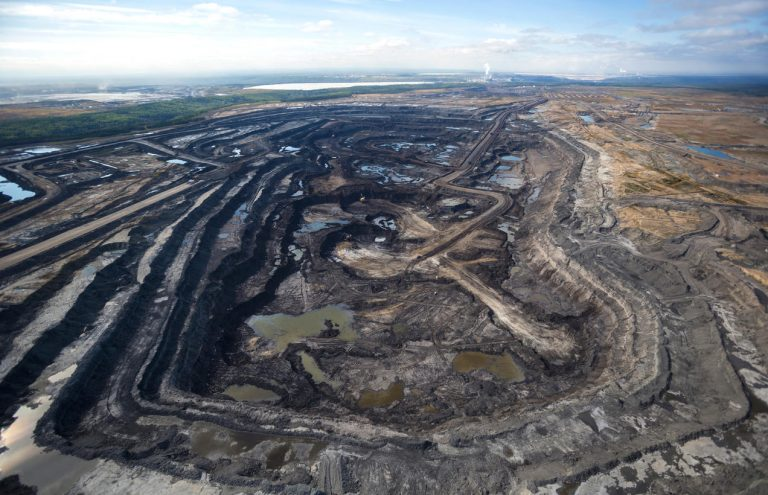 Pros and Cons of Tar Sands